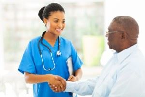Difference Between a Nurse Practitioner and MD: Nurse and Patient